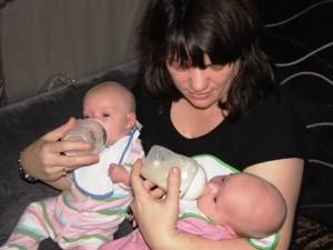mitos alrededor de la lactancia materna con gemelos