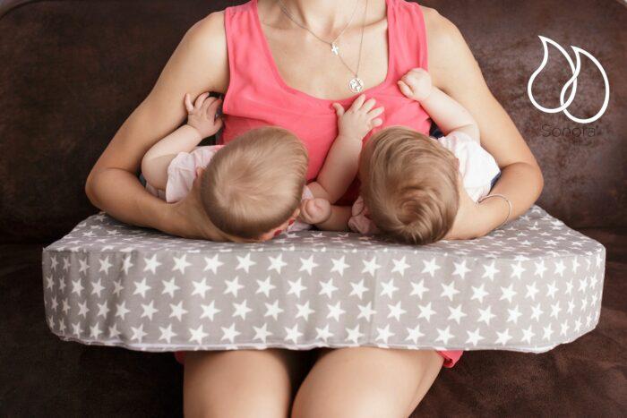 Cojín de lactancia materna gemelar de sonorababy